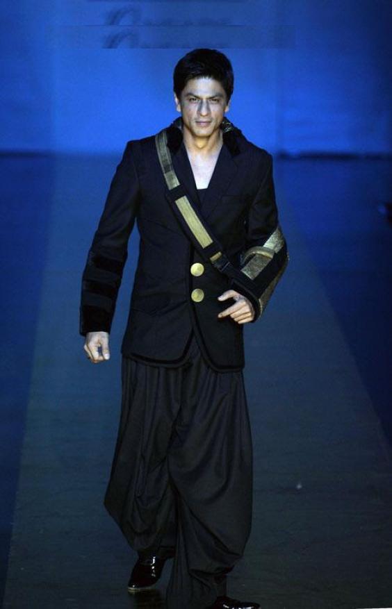 Bollywood-Superstar-Shahrukh-Khan-Hot-Photos-Download