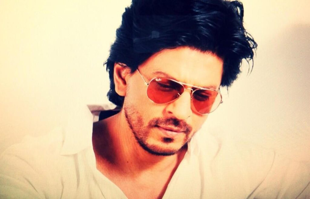Shah Rukh Khan Cute Sexy Looking Pictures