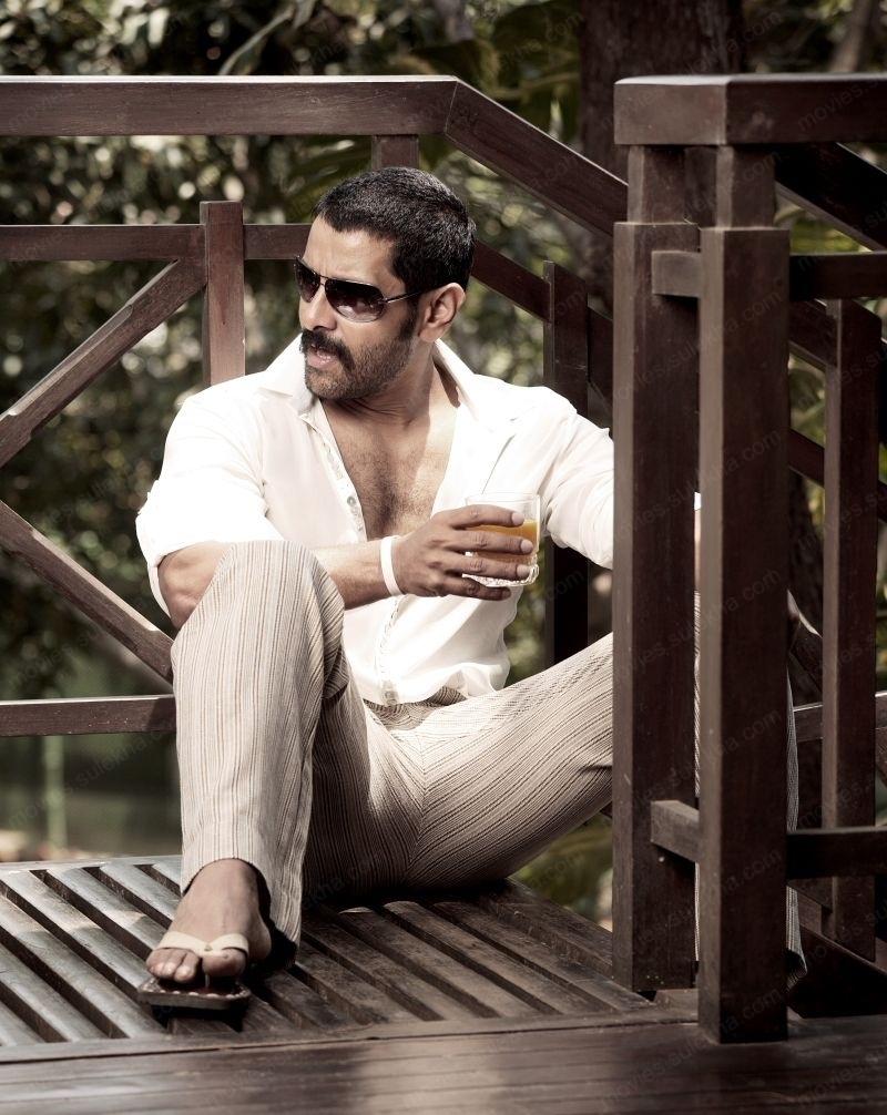 Vikram Hot Full HD Photo Gallery
