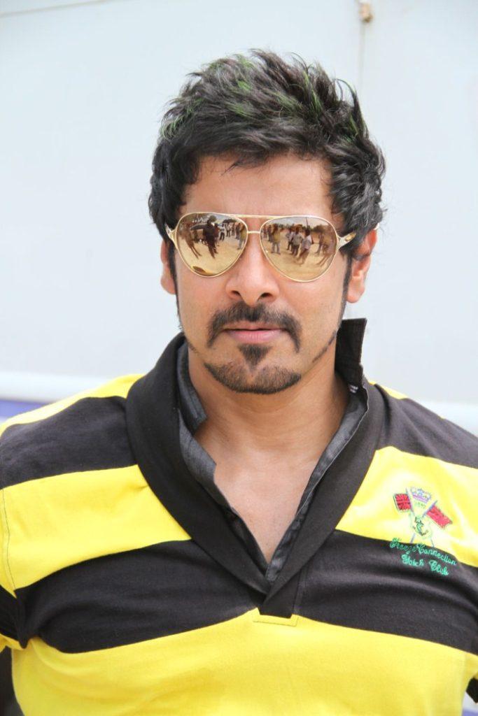 Vikram Hot Unseen Pictures Downlaod