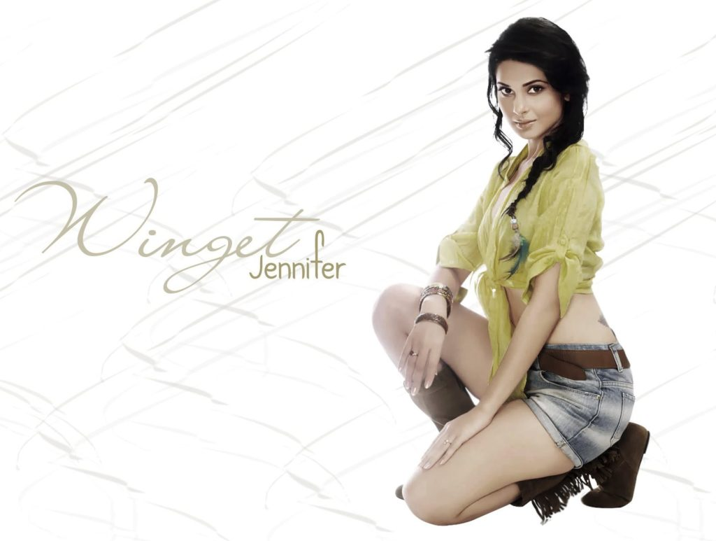 Jennifer Winget Hot & Spicy Look In Bikini Images Photoshoot