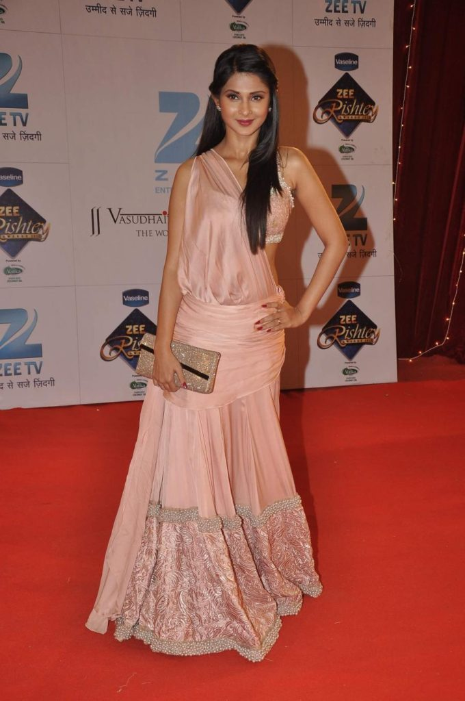 Jennifer Winget Latest Photos At Award Show