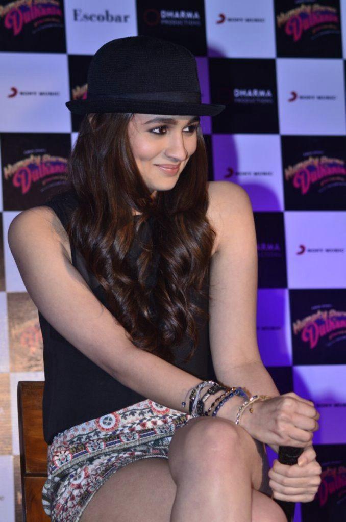 Alia Bhatt Beautiful Smile Pics