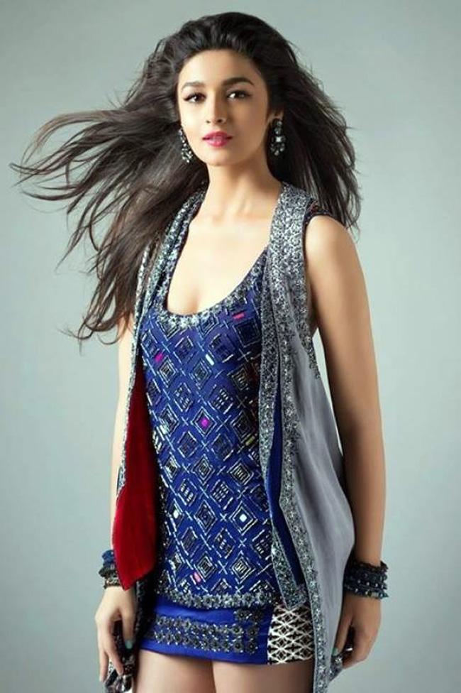 Alia Bhatt Summar Look Image
