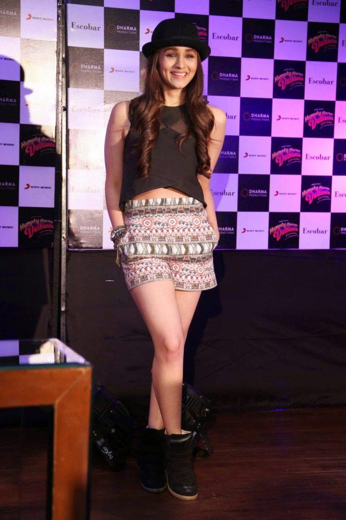 Sweet Alia Bhatt With Cap Wallpapers