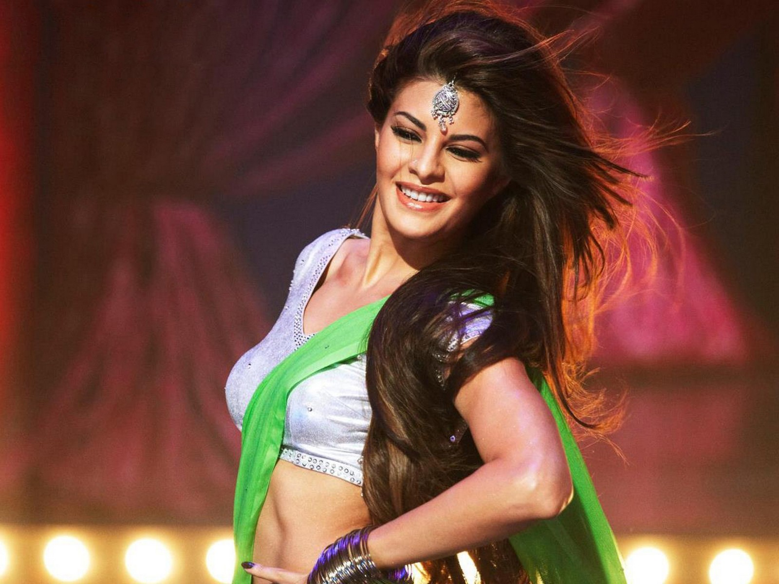 Jacqueline Fernandez Hot Spicy In Bikini Photos & Wallpapers