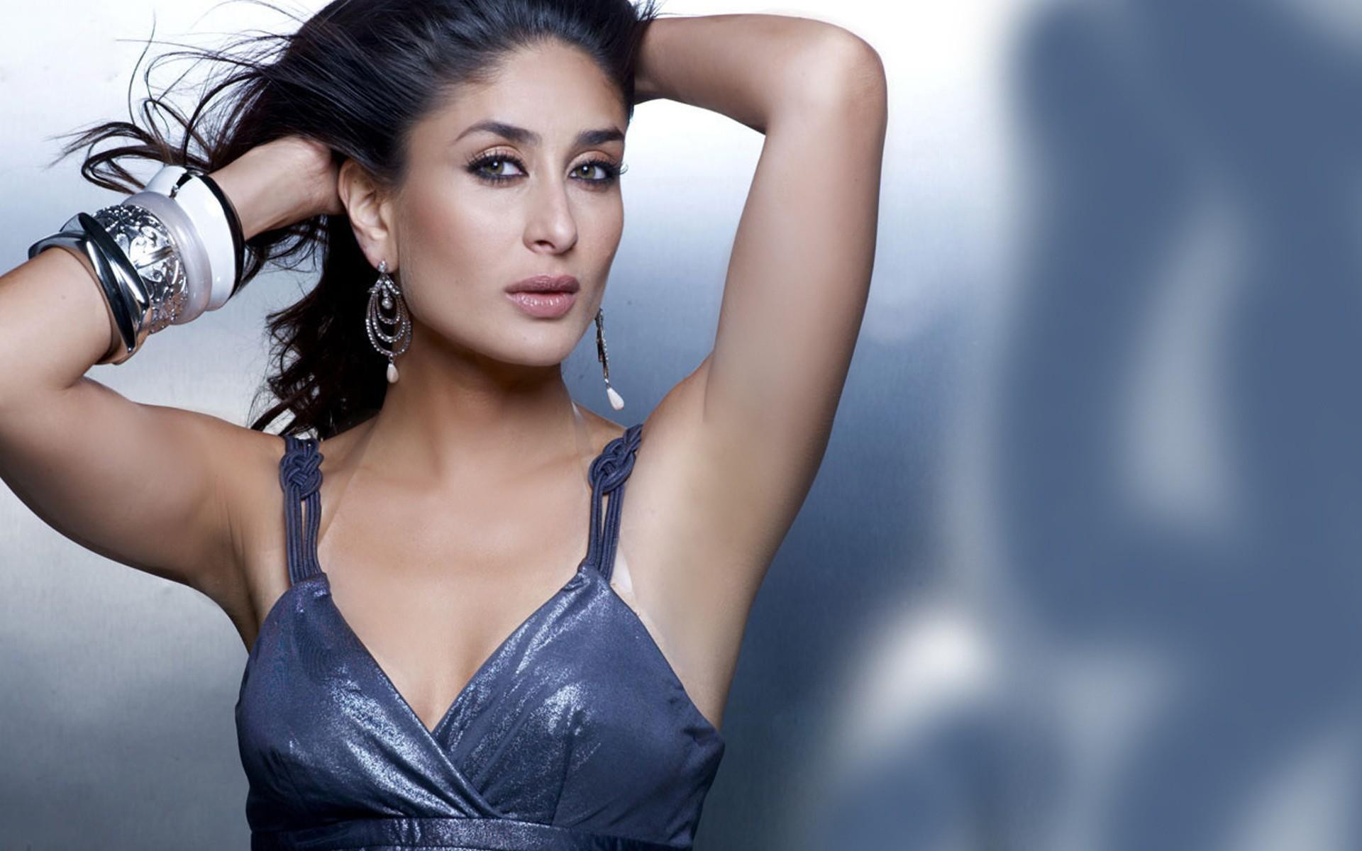 55+ kareena kapoor hot in bikini wallpapers photos & more