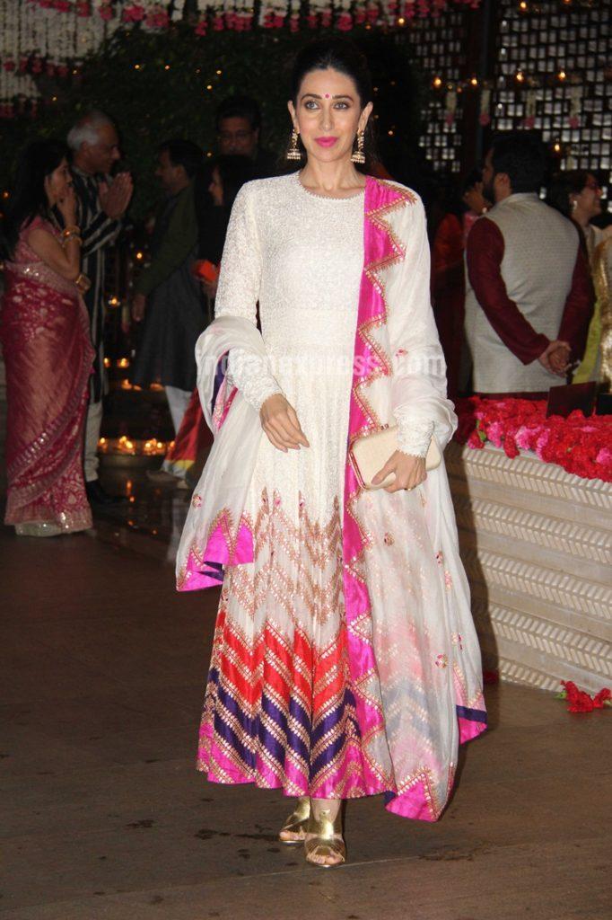 Bollywood Actress Karisma Kapoor Charming Images