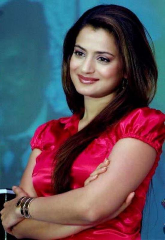 Ameesha Patel Cute Pics