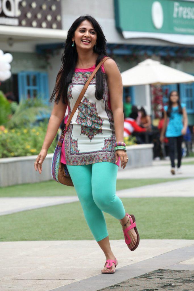 Anushka Shetty Lovely & Cute Images