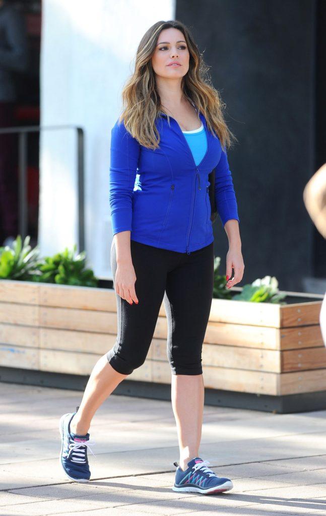 Beautiful Actress Kelly Brook Latest FUll HD Pics