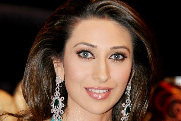 Karisma Kapoor Attractive Images