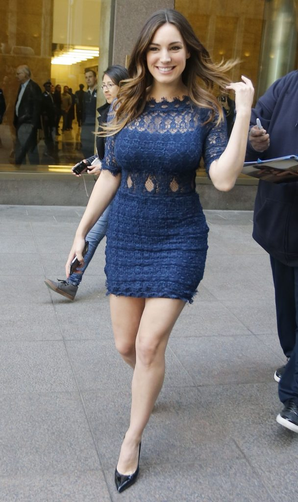 Kelly Brook Hot Ass Pictures Images