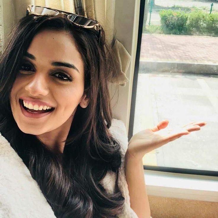 Manushi Chhillar Cute Smile Photos