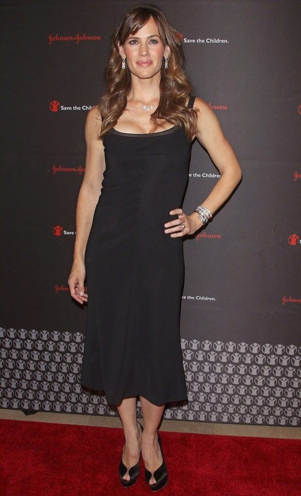 Actress Jennifer Garner Hot Images & Photos Wallpapers