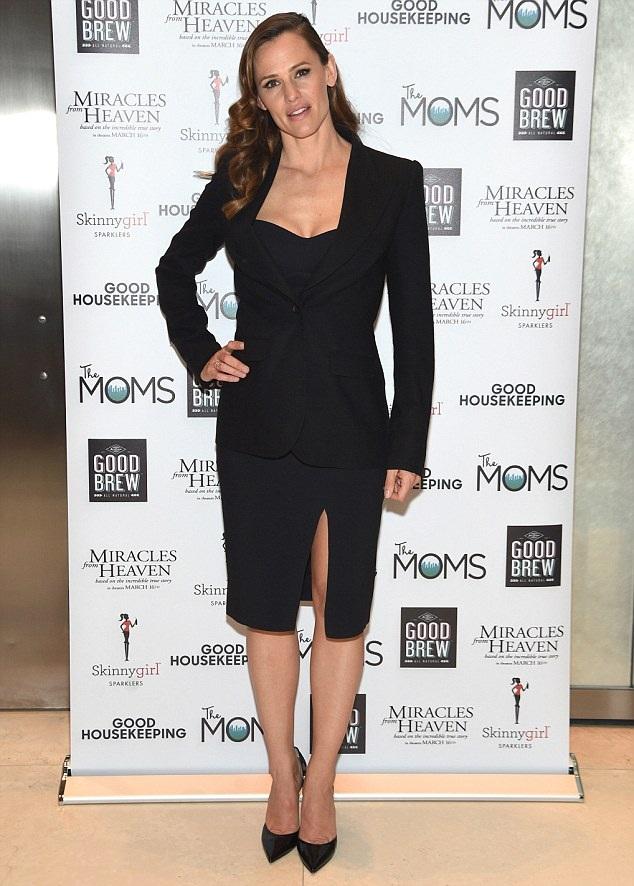 Jennifer Garner Hot And Sexy Photos Images