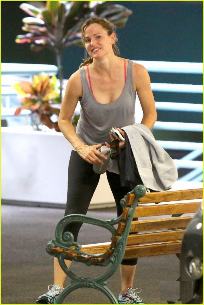 Jennifer Garner Hot Look In Bra Panty Photos