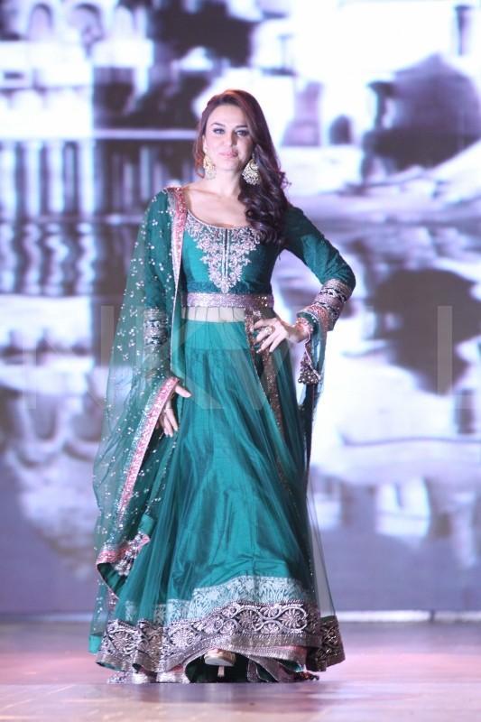Preity Zinta Beautiful Smile Images