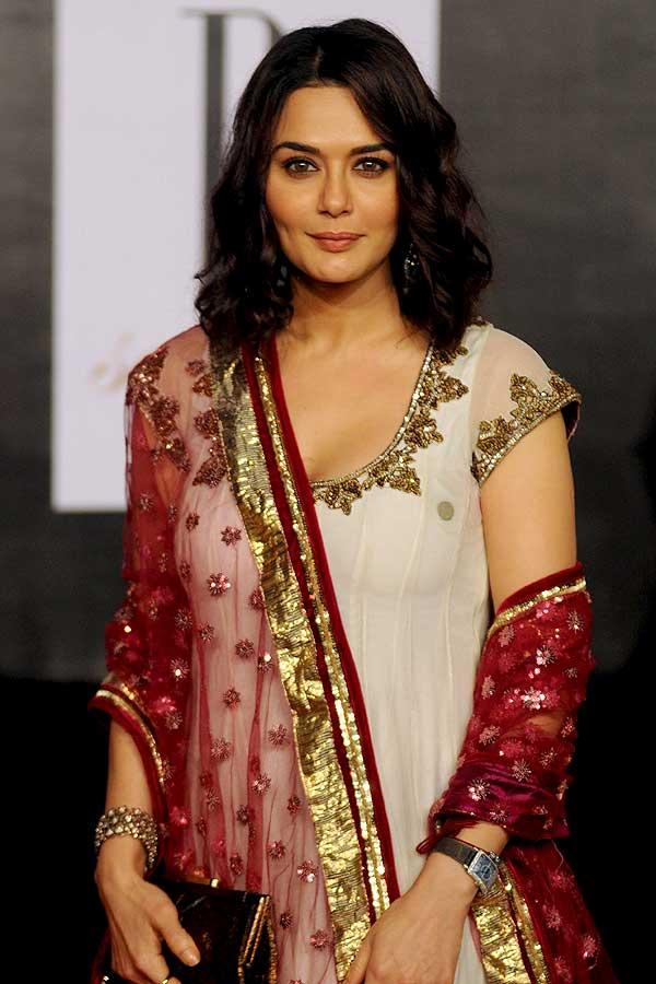 Preity Zinta Cute Pose Images