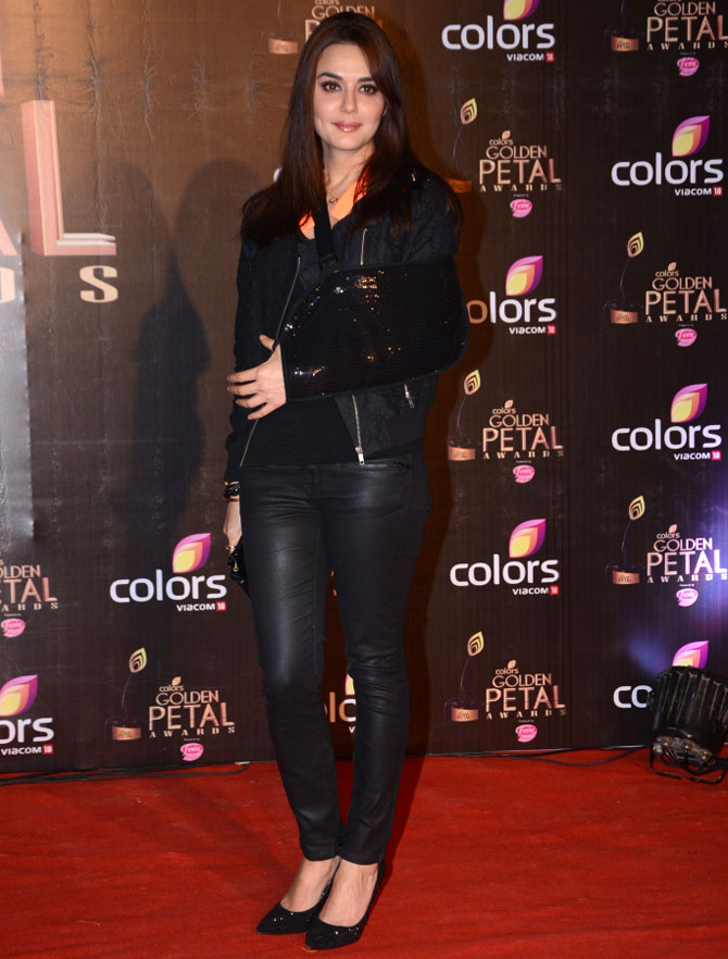 Preity Zinta HD Sexy Photos