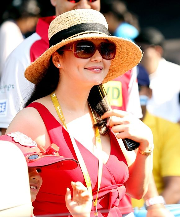 Preity Zinta Hot & Sexy Images HD