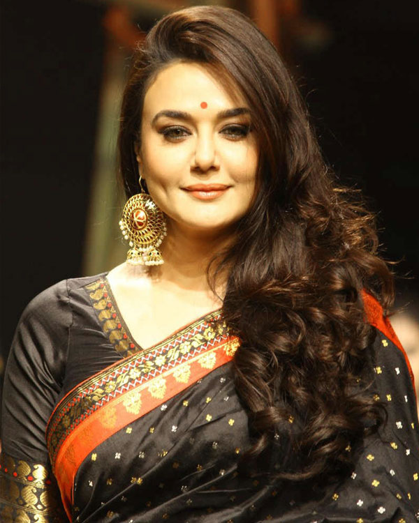 Preity Zinta Latest Hair Style Wallpapers