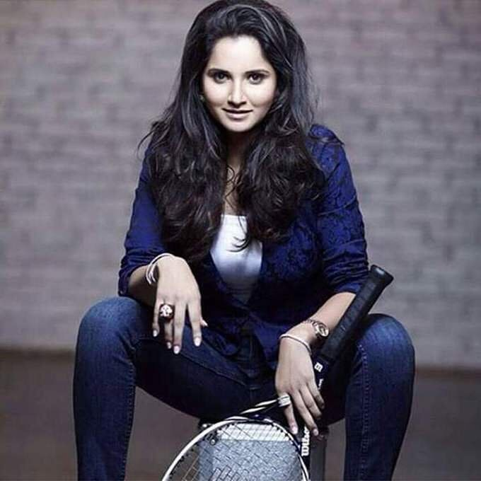 Sania Mirza Hot Images Jeans Top