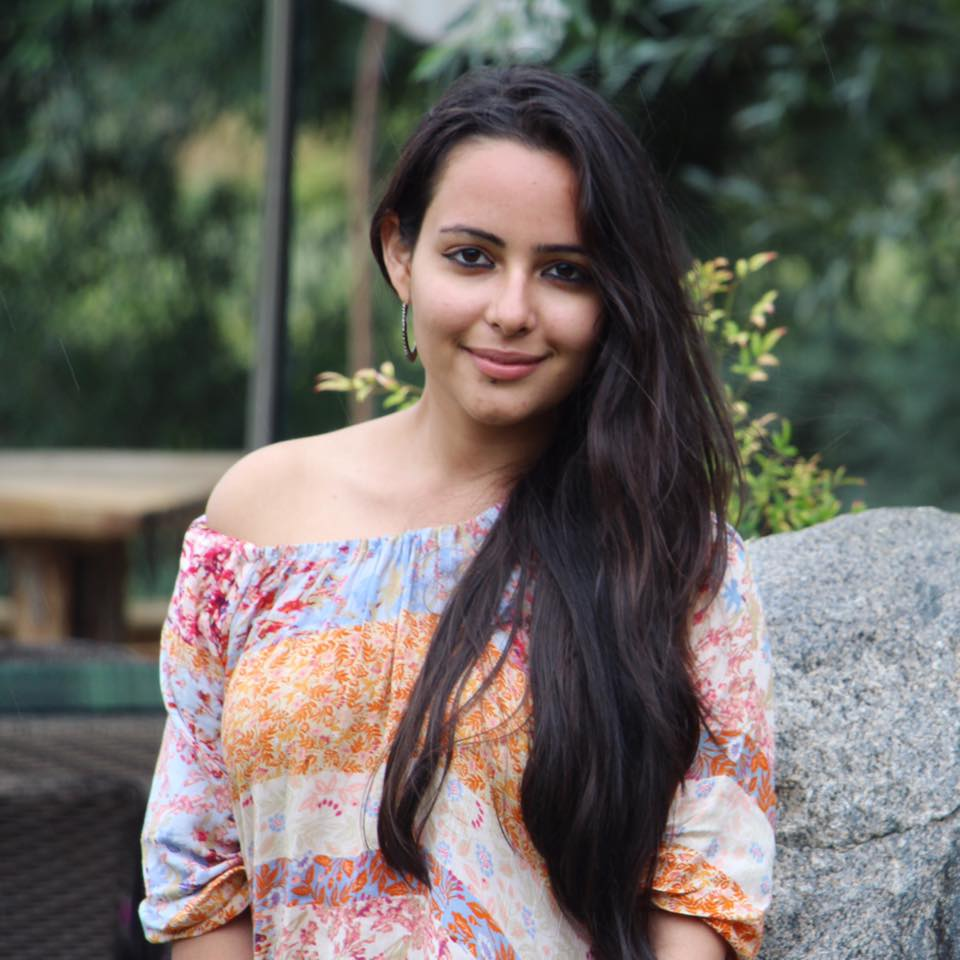 Aanchal Munjal Hot Images For Profile Pics