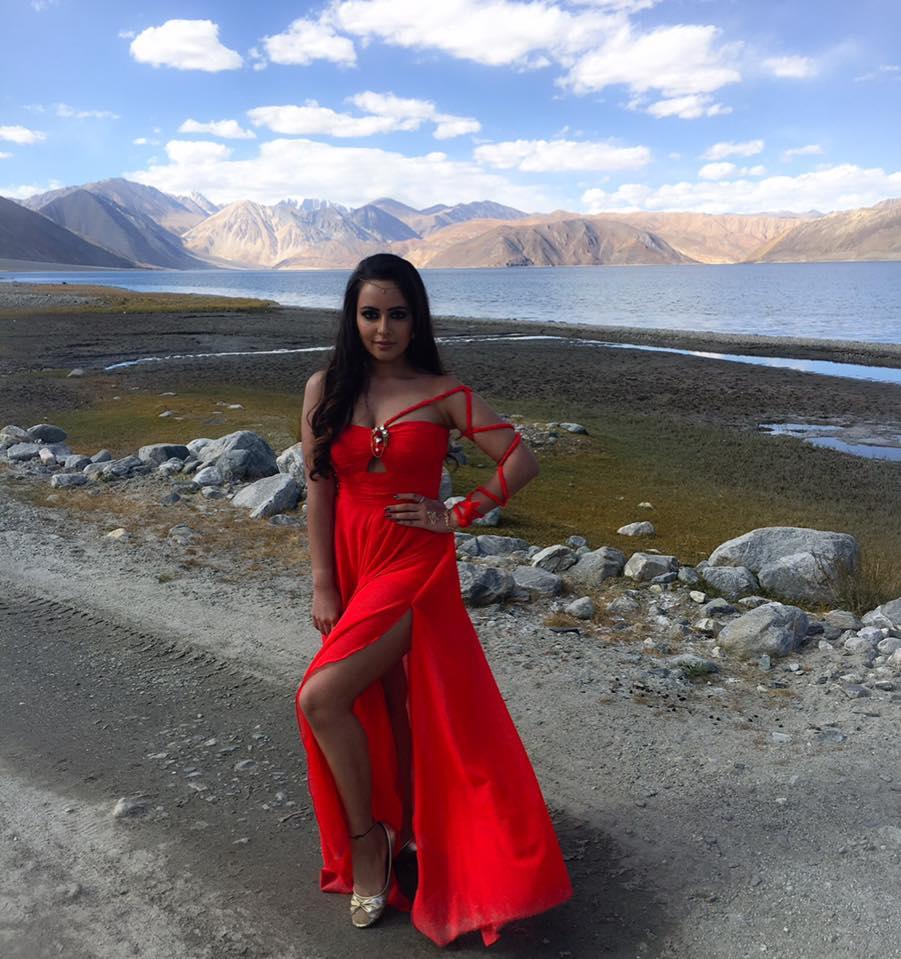 Aanchal Munjal Hot Legs Photoshoots