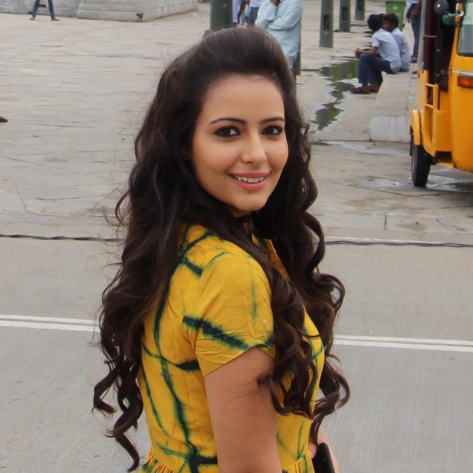 Aanchal Munjal Photos For Desktop