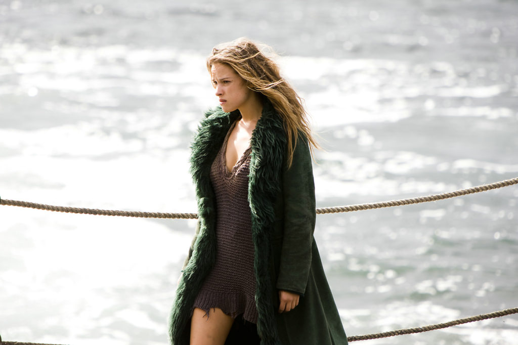 Alicja Bachleda In Bra Pics On The Beach