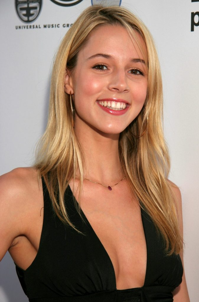 Alona Tal Boobs Full HD Images