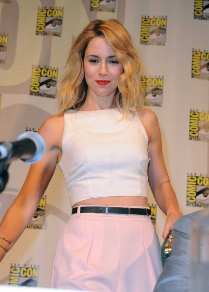 Alona Tal Spicy Navel Showing Pics