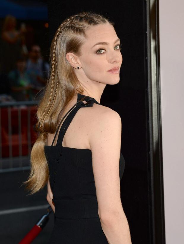 gorgeous amanda seyfried hot amp spicy pics hd photos