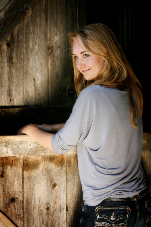 Amber Marshall Hot & Sexy Backside Images For Desktop