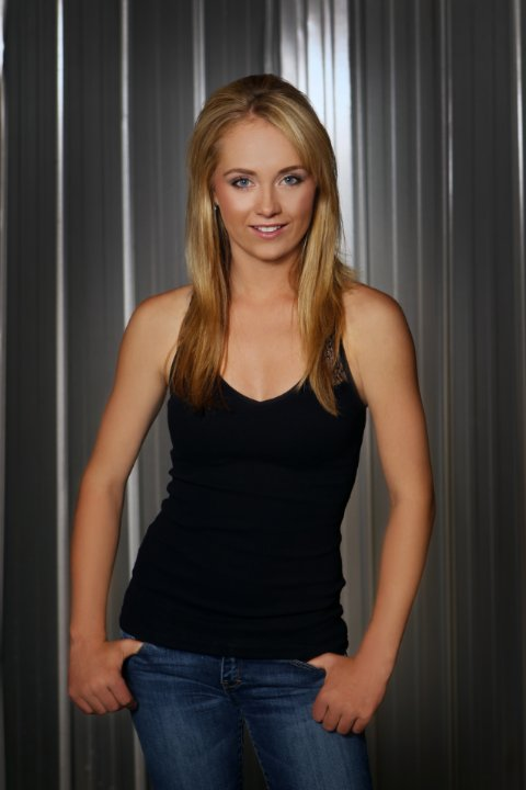 Amber Marshall Pics In Jeans Top For Profile Pics