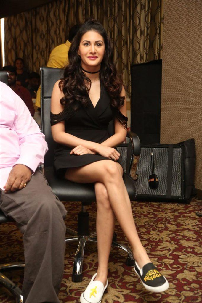 Amyra Dastur Full HD Images