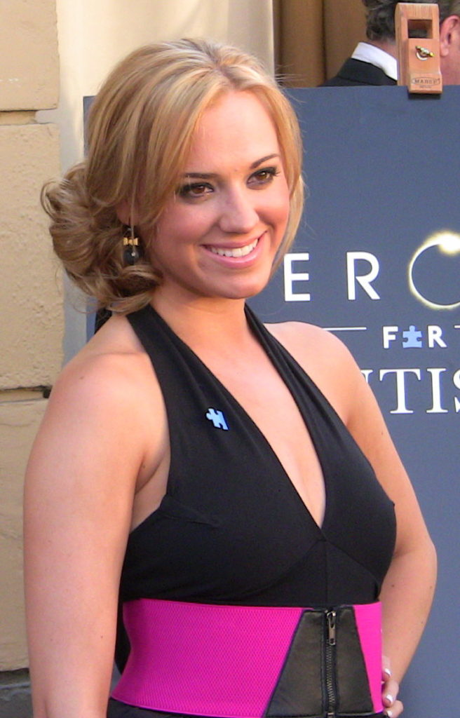 Andrea Bowen Sexy Boobs Showing Wallpapers