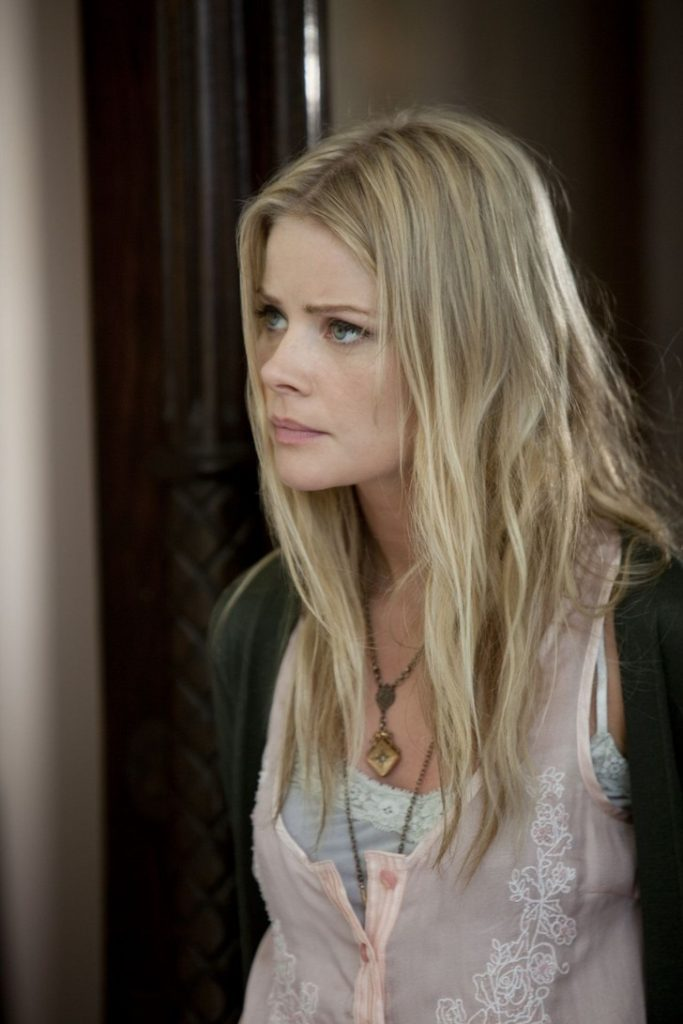 Anita Briem Full HD Unseen Images For Profile Pics