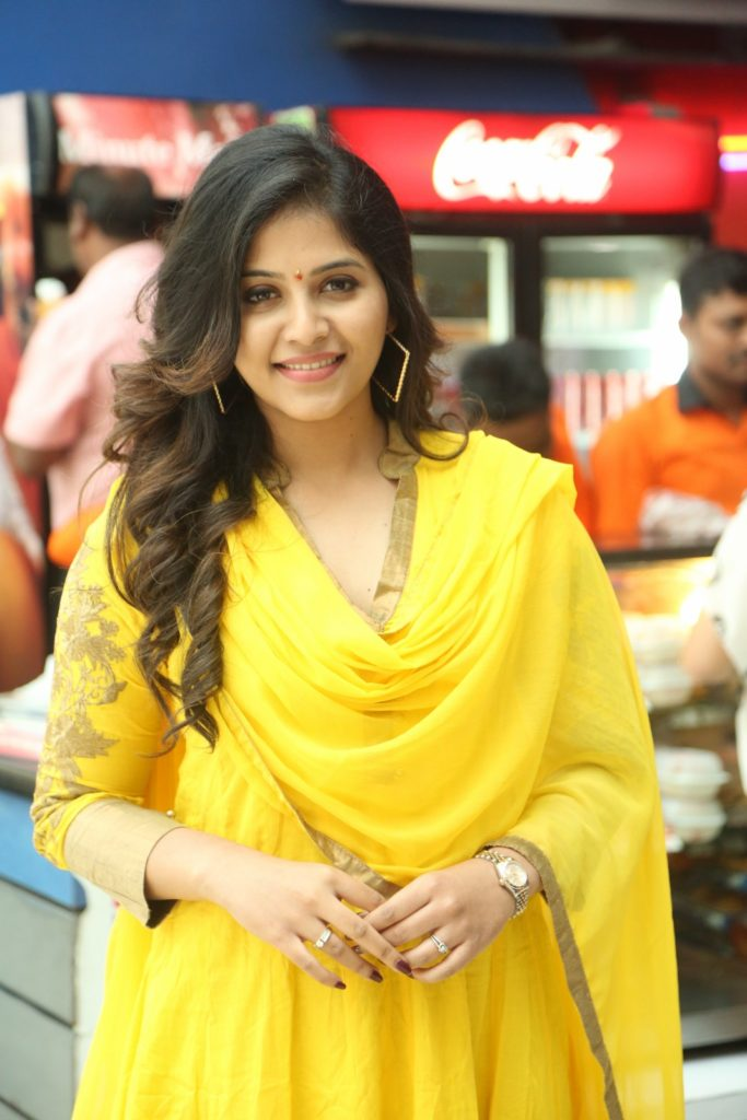 Anjali Spicy & Sizzling Photos