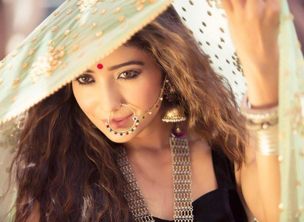 Asha Negi Images Download