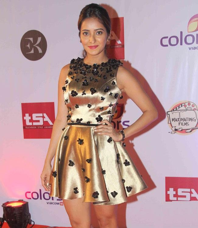 Asha Negi Wallpapers At Award Show
