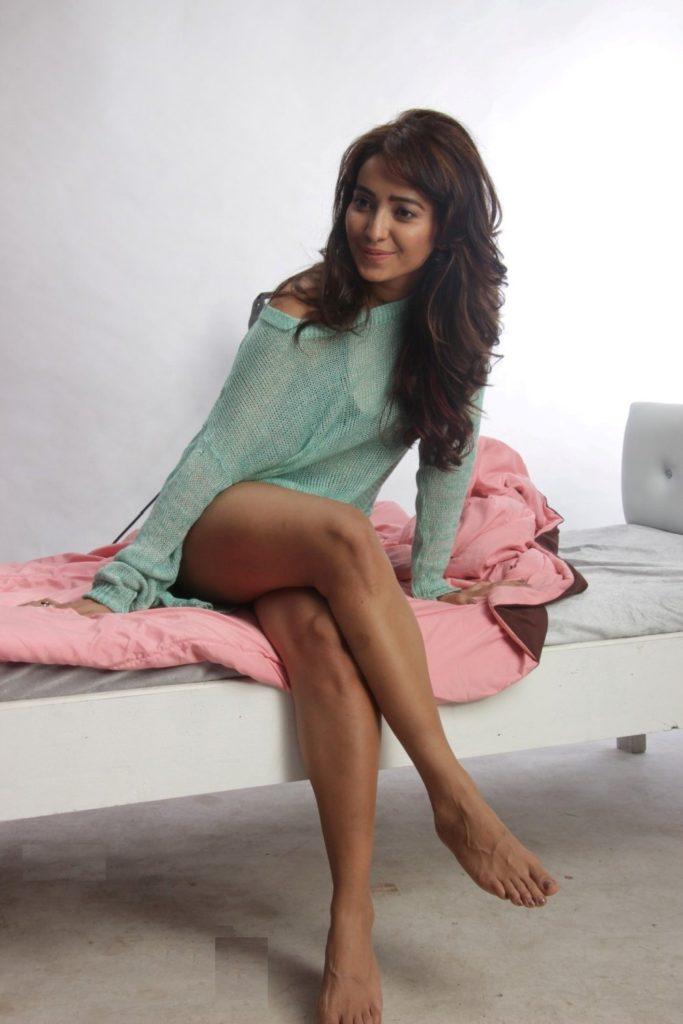 Bold Asha Negi Wallpapers In Bra Panty