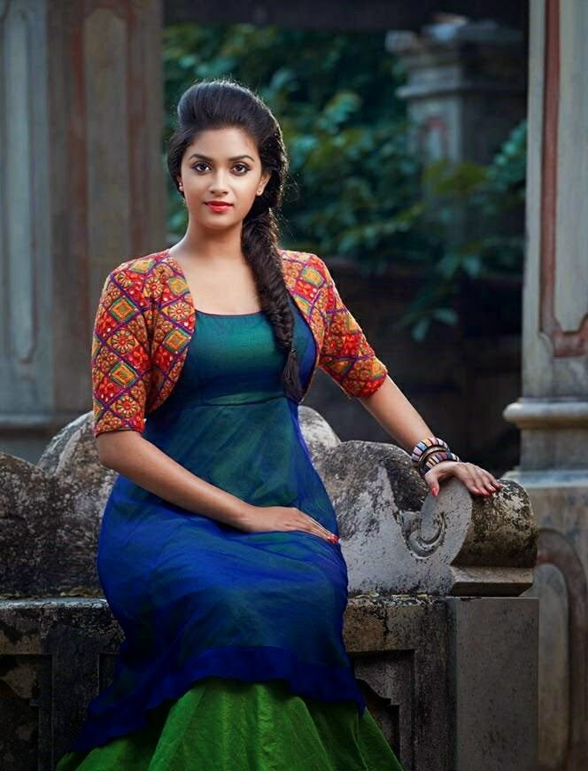 Bold Keerthy Suresh New Look Wallpapers