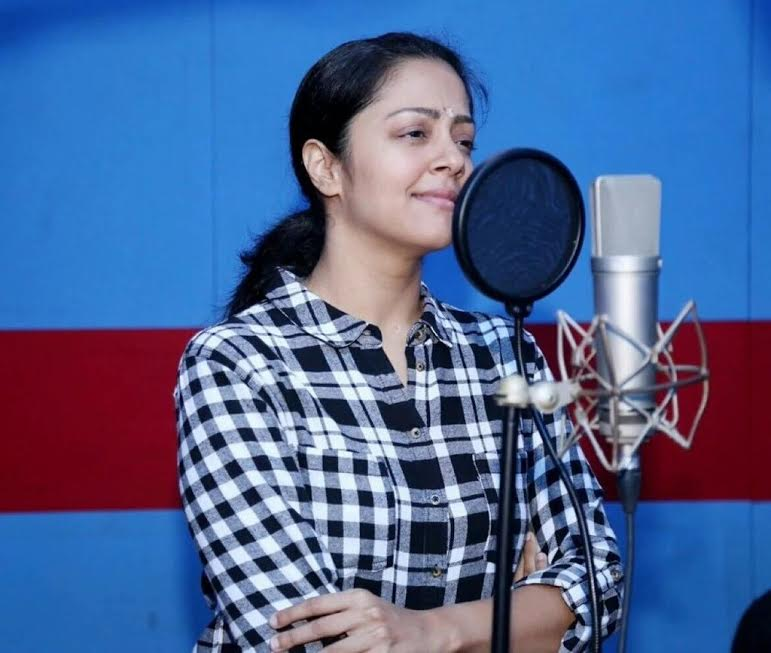 Jyothika Attractive Images