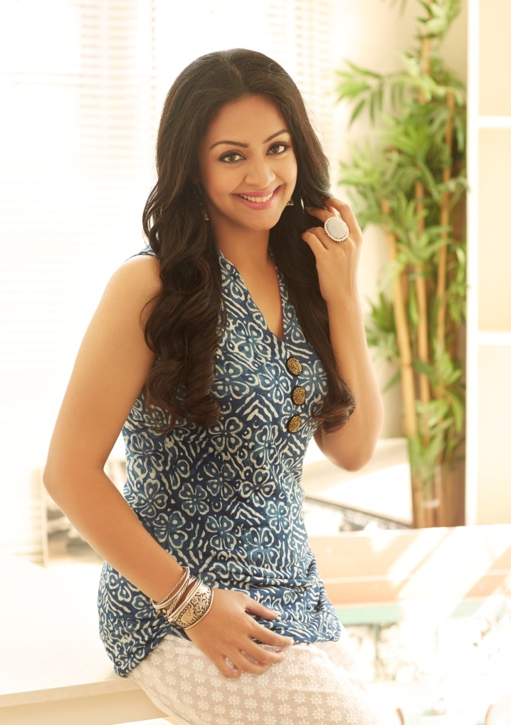 Jyothika Cute & Lovely Photos Download