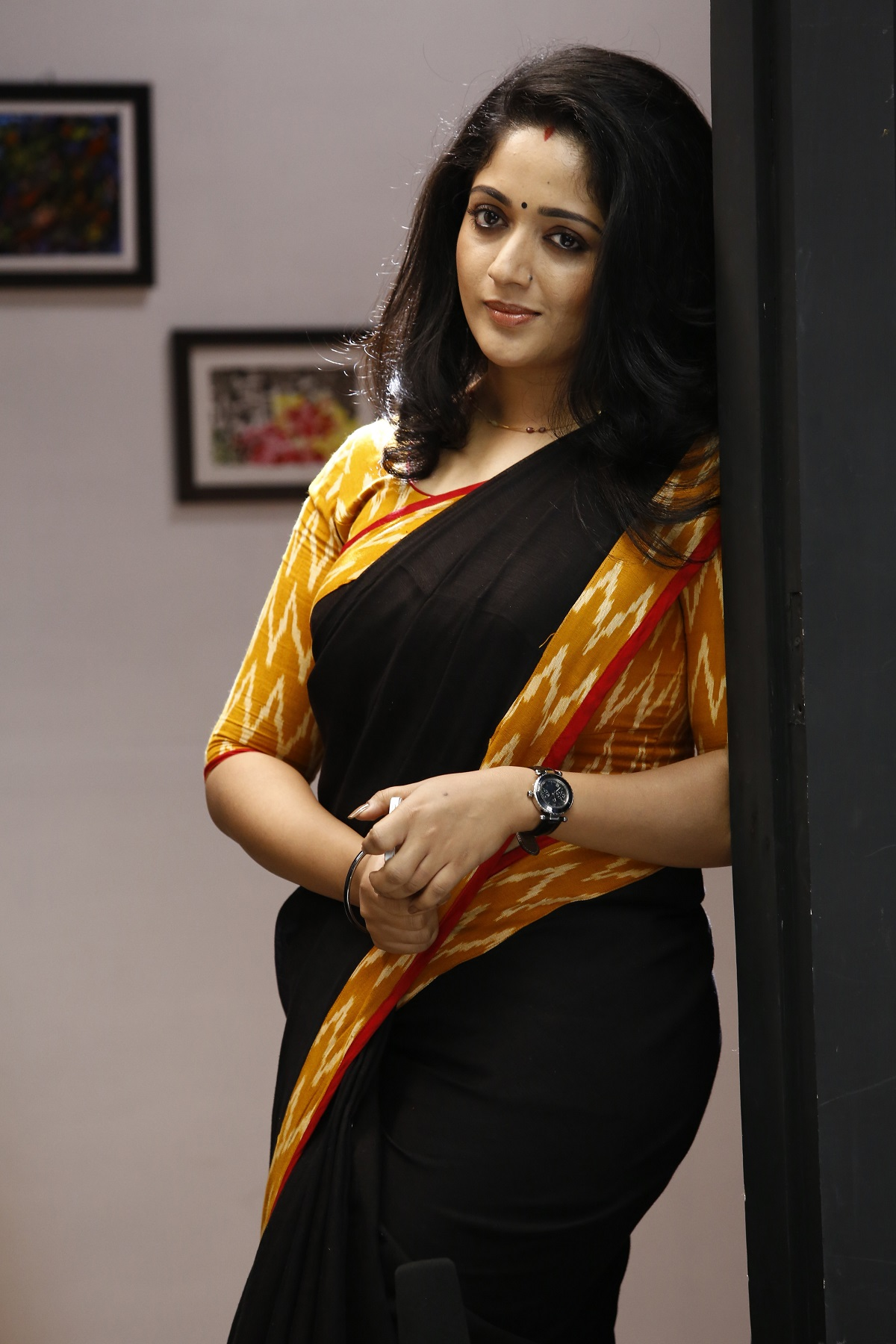 kavya madhavan hot amp sizzling wallpapers full hd photos