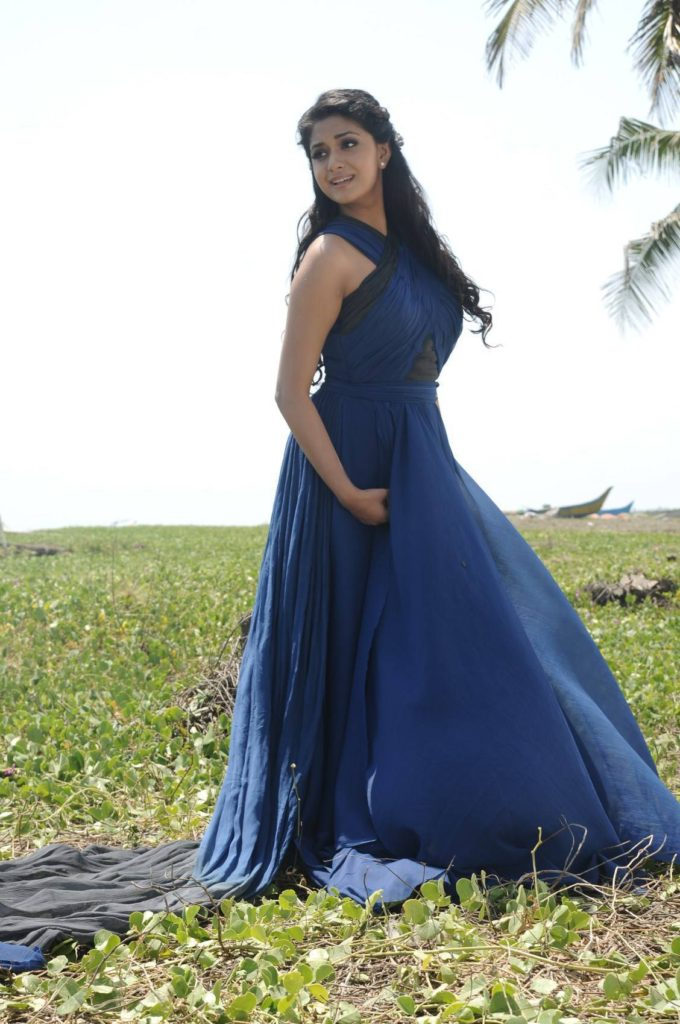 Keerthy Suresh Hot & Sexy Images