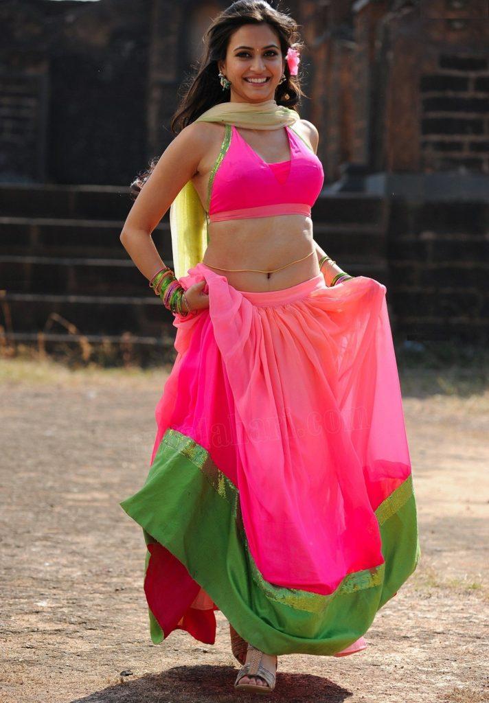Kriti Kharbanda Photos Free Download