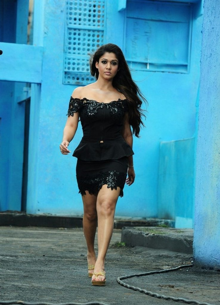 Nayanthara Sexy Looking Pictures In Saree